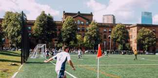 Fodboldkamp, hjørnespark