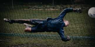 Målmand kaster sig, træning